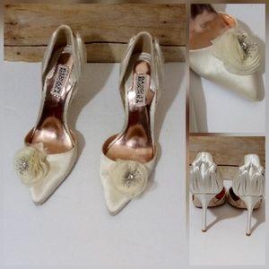 Badgley Mischka Ivory Satin Womens Evening Shoe